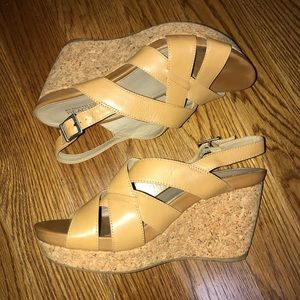 Kenneth Cole Reaction Tan Wedges Heels Size 8